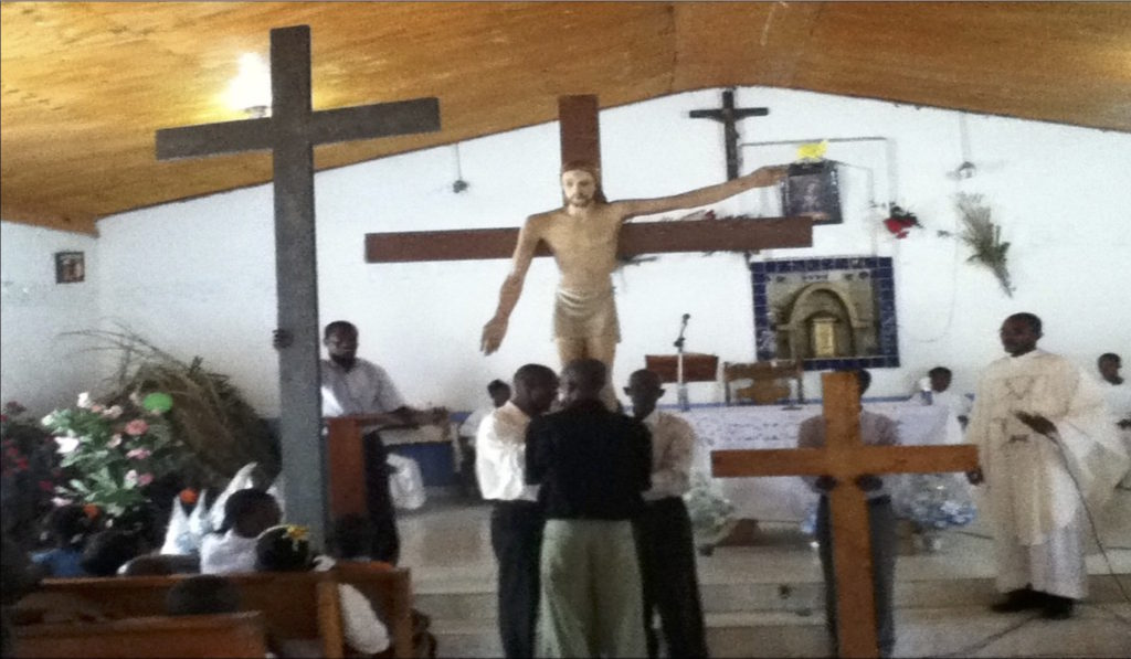 Crucifix from St. Luke to N.D. Altagrace in Layaye