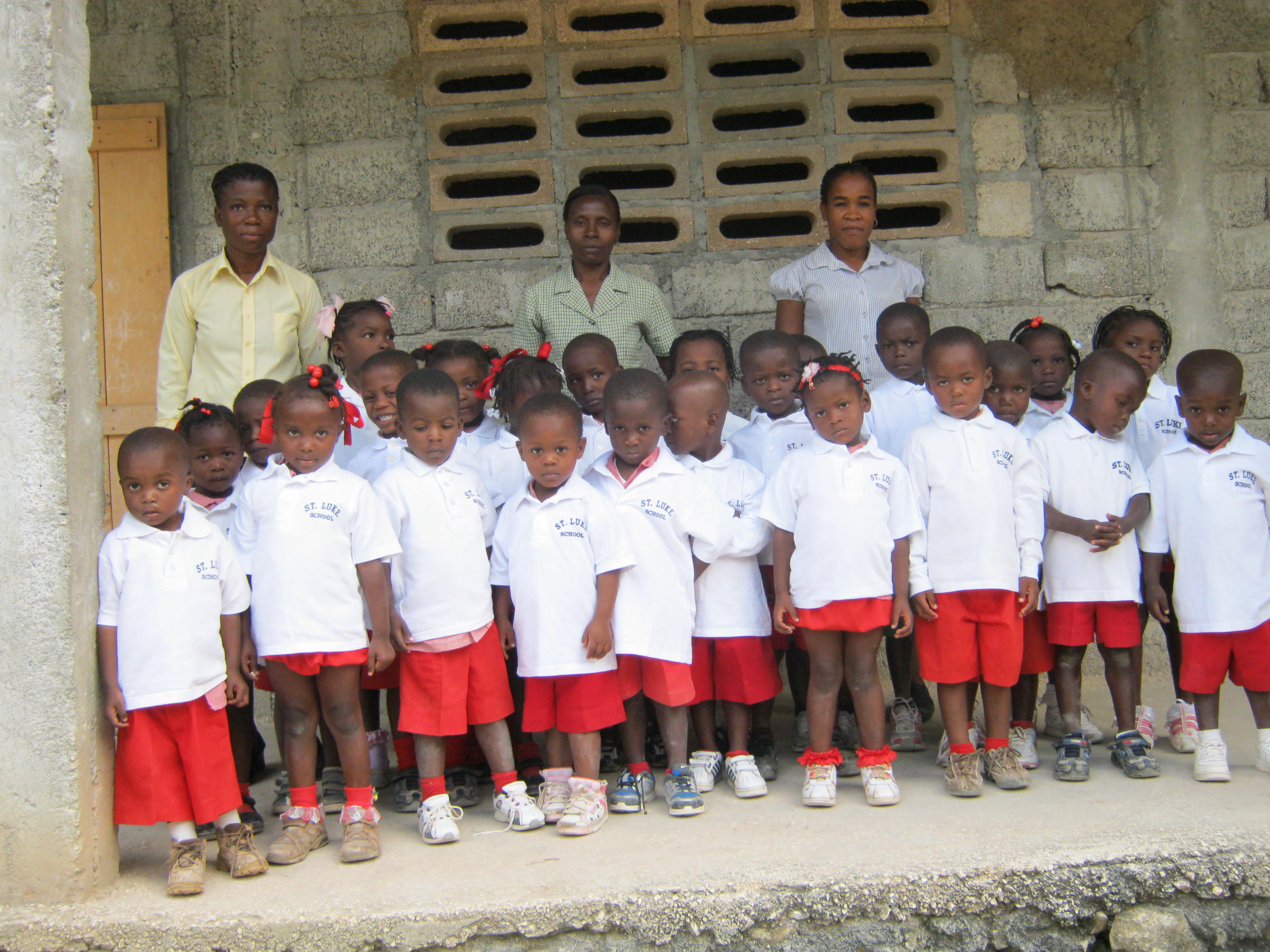 Kindergarten in St. Luke uniforms